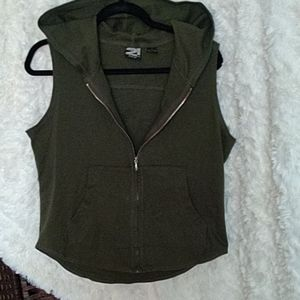 Rue 21Gals olive green hooded sleeveless vest sz L